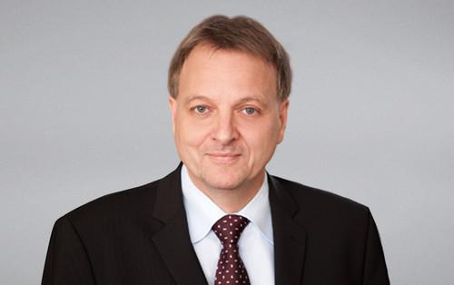 dr Stefan Reis